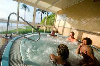 Relax in Costa Natura jacuzzi