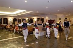 Vritomartis dancers