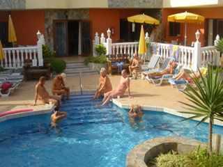 Infiniti pool