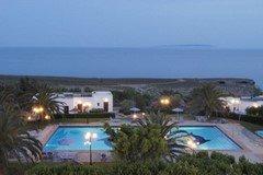 Vritomartis Hotel in the evening