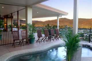 Summit Rainforest Retreat swimming pool